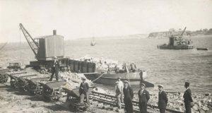 Строежът на пристанището в Царево