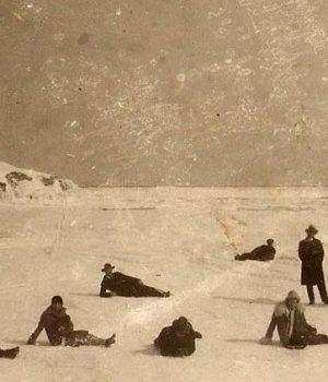 Замръзналия залив на гр. Царево през 1929 г.