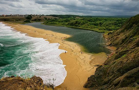 Кандидати се явиха само за 3 от 12 плажа в област Бургас