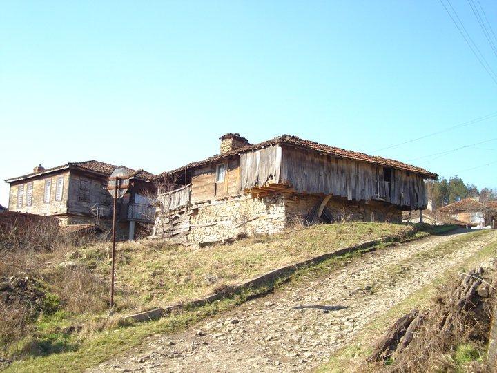 Да изследваш автентичната странджанска архитектура – интервю със сдружение Мещра