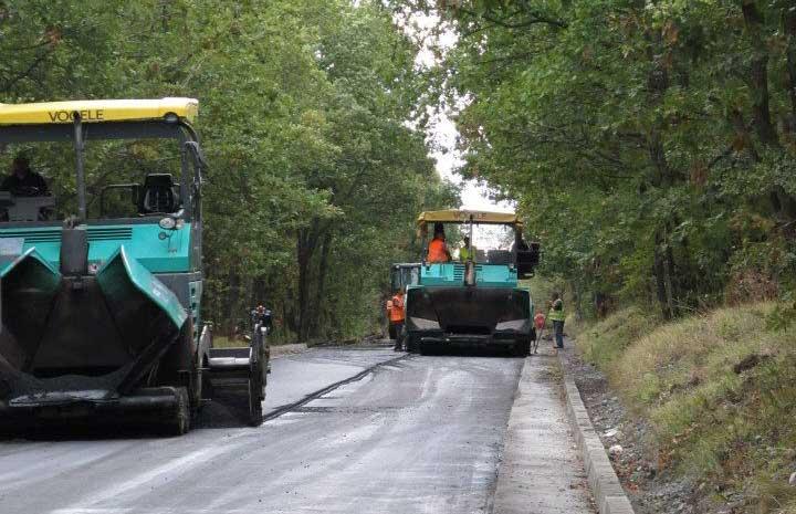 Пътят Царево – Ахтопол ще бъде готов до края на годината
