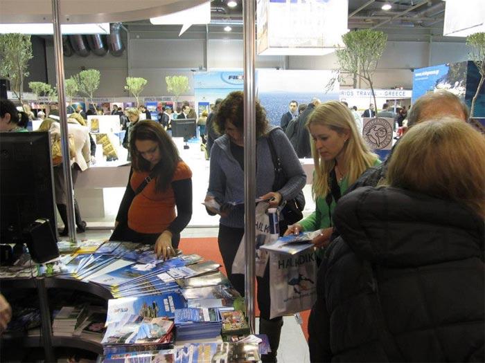 Големият интерес към щанда на Община Царево на туристическата борса в София