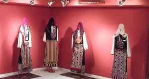 Безценна етнографска колекция ще гостува на музея в Царево