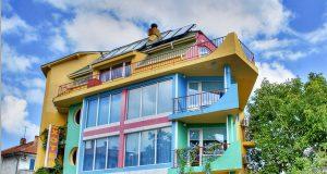 Семеен хотел Шарената къща – Ахтопол