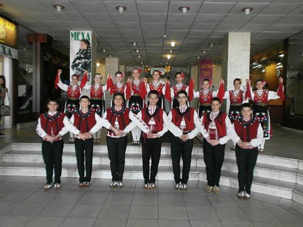 Детски танцов състав Иглика се завърна от участие в Украйна