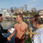 Атанас Екшиев за трета поредна година хвана кръста на Йордановден