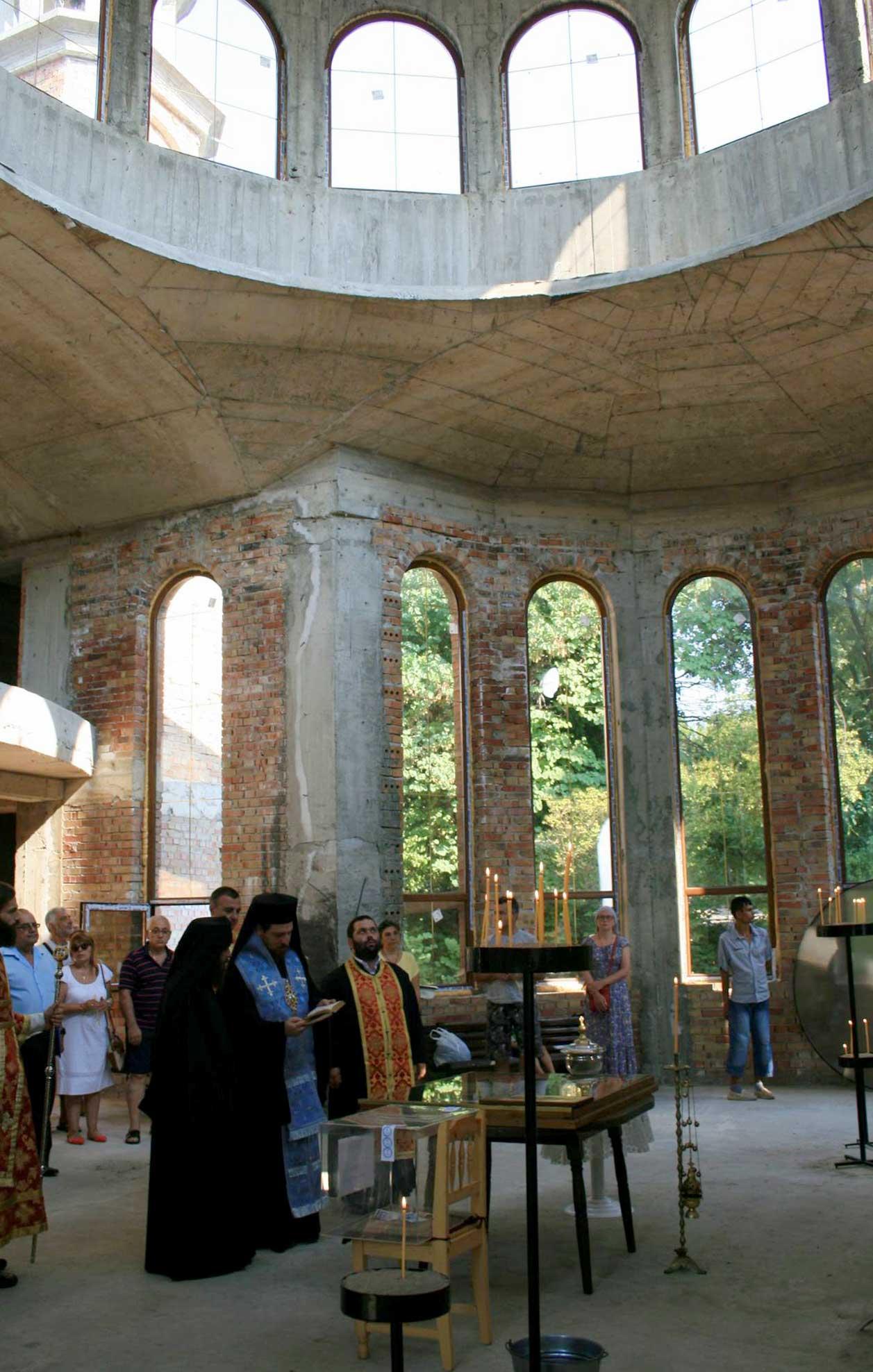 Ахтопол посрещна Чудотворната икона Св. Богородица Козница
