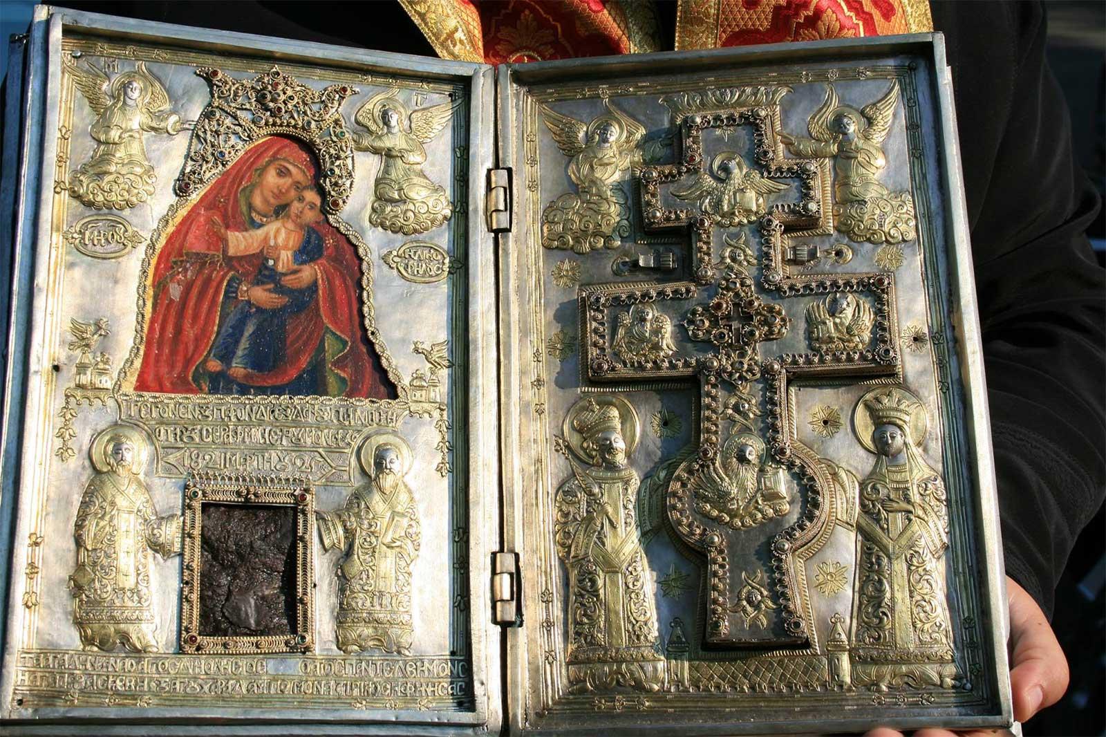 "Ахтопол посрещна Чудотворната икона ""Св. Богородица Козница"""