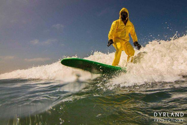 HAZMAT Surfing - фотограф ни показва как може би ще караме сърф след 20 години