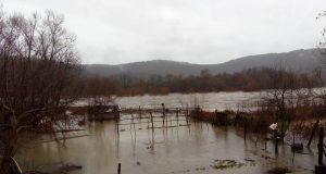 Река Велека излезе от коритото си край село Костѝ, засега няма бедстващи хора