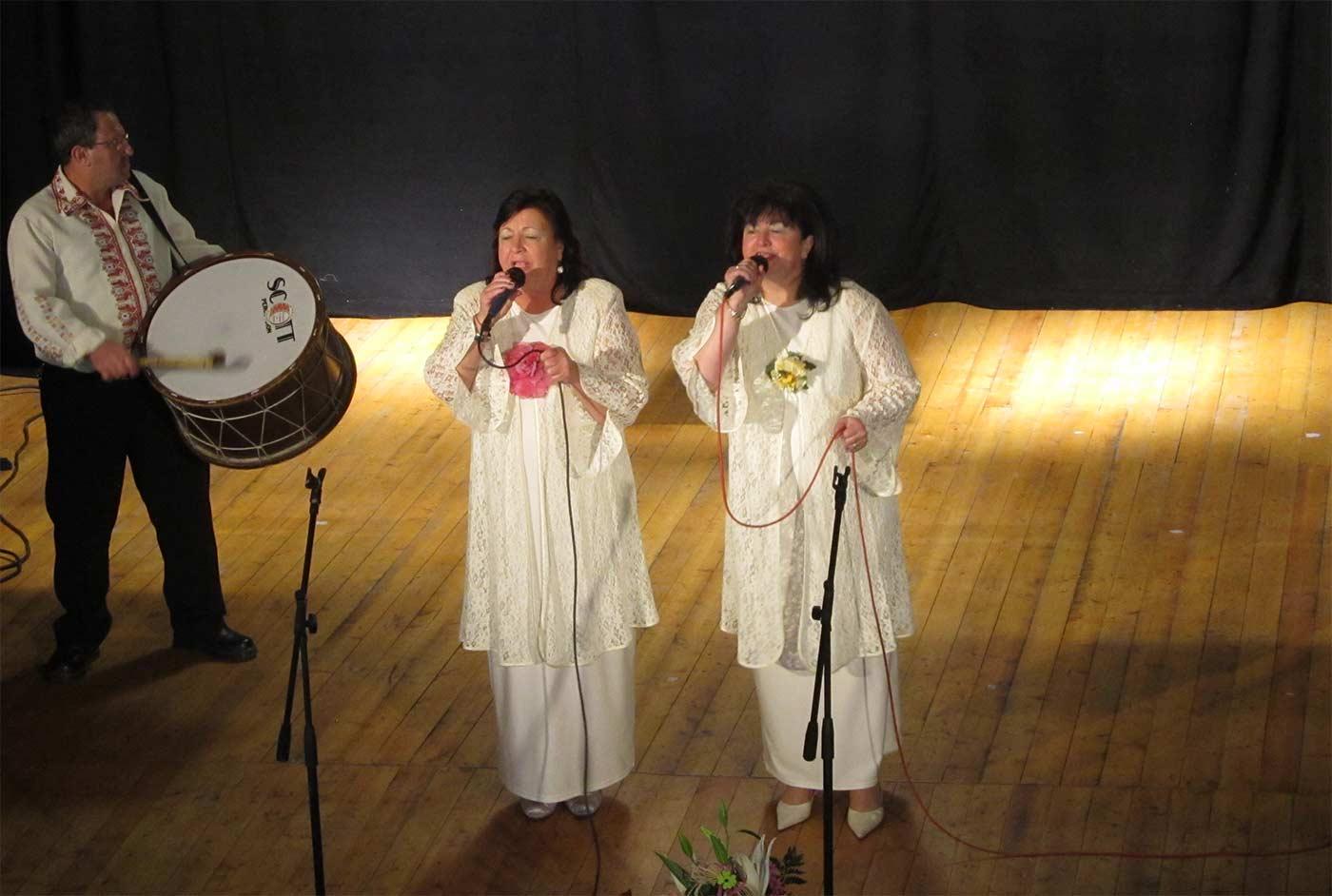 Сестри Ставреви издирват автентични песни от Странджа