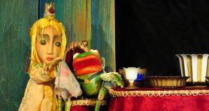 """""""Жабокът цар"""" - театрално представление за деца"""