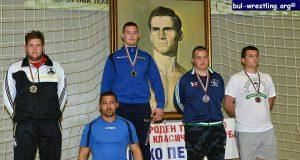 "Два златни и един бронзов медал за Клуба по борба ""Крали Бимбалов"" гр. Царево"