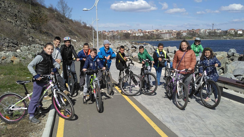 12 деца взеха участие в третия кръг от вело състезанието