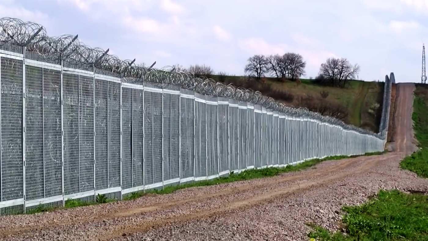 Оградата по границата от Малко Търново до Резово е почти готова