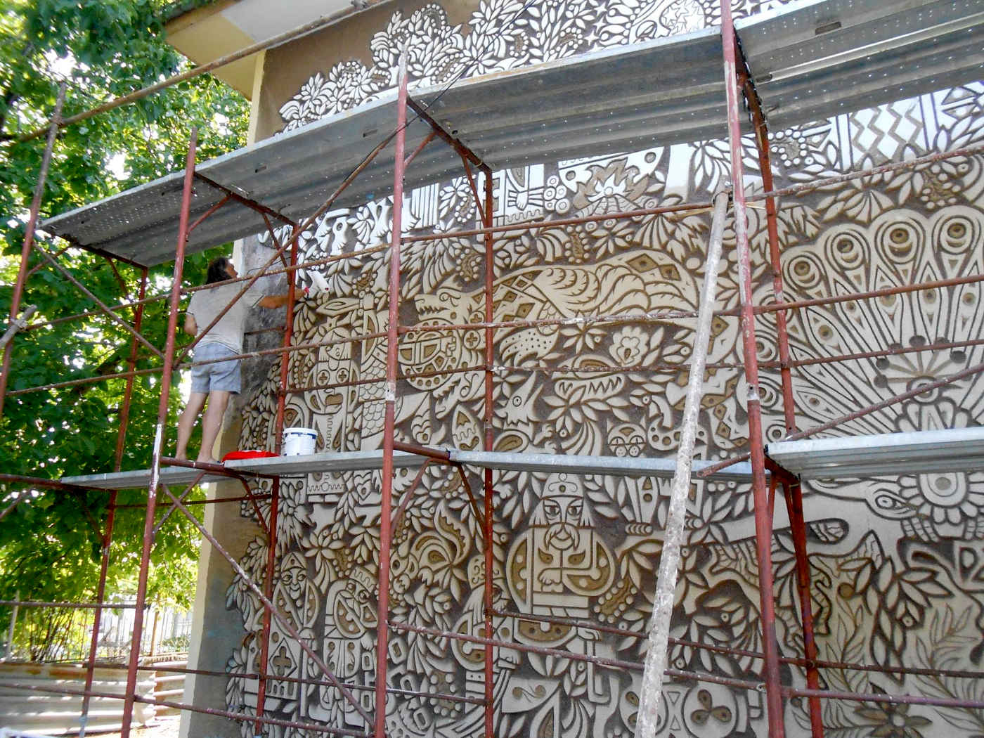 Започна реставрация на западната фасада на детската градина в Ахтопол