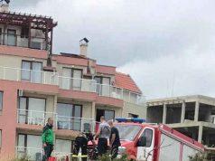 Пожарникарите от Царево спасиха бедстващо куче в Ахтопол