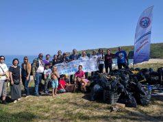 Снимка на фокус, април 2018, За поредна година доброволци изчистиха плаж Липите