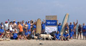 Доброволци почистиха плаж Корал като част от световна еко инициатива
